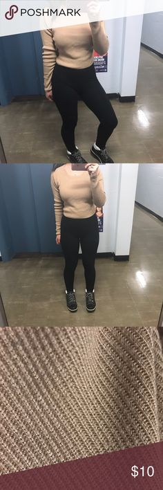 Cropped sweater Cute nude sweater, barely worn. Size small Forever 21 Sweaters