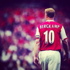 Happy birthday to Dennis Bergkamp!!