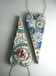 mosaic hearts with wire for hanging