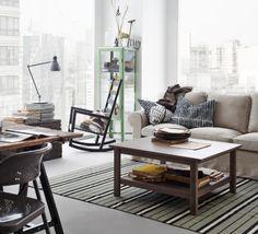 IKEA Rustieke woonkamer met zitbank, schommelstoel en eettafel