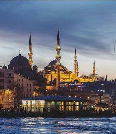 Eminönü #türkiye #türkiyeforvsco #doğa #gece #cami #boğaz #deniz #gökyüzü #sky #turkey #vsco #instagood #like4like #follow4follow #igers #sea by turkiye_for_vsco