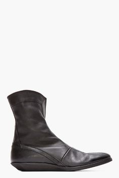 MA JULIUS Black Leather Zippered Boots
