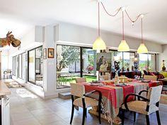 Maison de campagne où il fait bon vivre Restaurant Design, Architecture Design, Interior Design, House Styles, Table, Inspiration, Furniture, Home Decor, Decoration