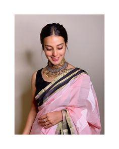 Pakistani Outfits, Indian Outfits, Indian Bridesmaids, Iqra Aziz, Pakistani Actress, Pakistani Dramas, Saree Trends, Beautiful Girl Image, Beautiful Couple
