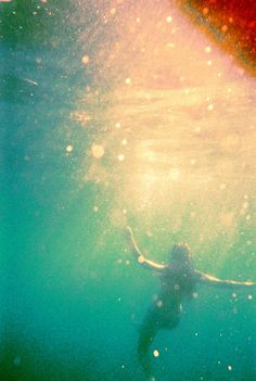 I want to go deep sea diving someday,i can only think of how pretty it would be