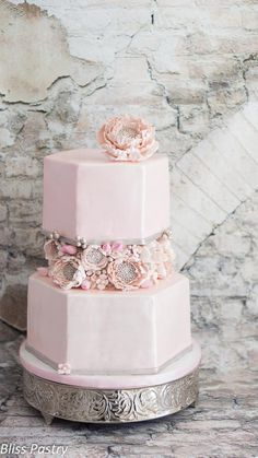Blush hexagon wedding cake - Cake by Bliss Pastry