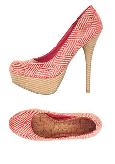 .... so hard to walk in the platt form heels but they are super cute!