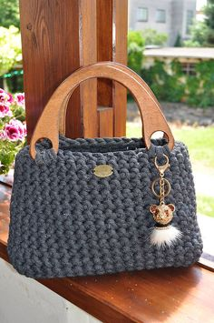 Discover thousands of images about Sarah / LanaDesign - SAShE.The place where construction meets design, beaded crochet is the act of using beads to embellish crocheted items.Pappulli - Handmade by Pappulli / SAShE. Bag Crochet, Crochet Handbags, Crochet Purses, Drops Paris, Diy Crafts Crochet, Yarn Bag, Bag Pattern Free, Macrame Bag, Knitted Bags