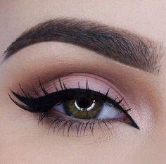 Eye Makeup Tips.Smokey Eye Makeup Tips - For a Catchy and Impressive Look Kiss Makeup, Prom Makeup, Cute Makeup, Gorgeous Makeup, Pretty Makeup, Wedding Makeup, Hair Makeup, Makeup Eyebrows, Makeup Goals