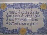 Resultado de imagem para azulejos dos hospitais portugueses