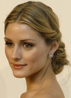 Google Image Result for http://i.ivillage.com/BS/holiday-style-guide-09/hair-how-to/olivia-palermo.jpg