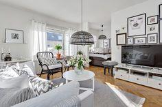 HH1 Studio Loft Apartments, Loft Studio, Small Apartments, Small Spaces, Living Room Inspiration, Home Decor Inspiration, Bedroom Corner, Scandinavian Interior, Home Projects
