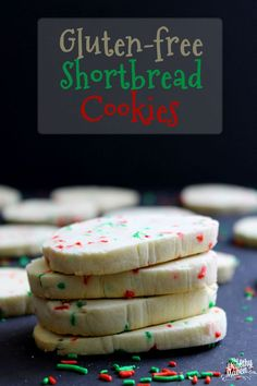Gluten-Free Shortbread Cookies that the whole family can enjoy including those with gluten allergies and intolerances. The ultimate Christmas cookie without the gluten. Cookies Sans Gluten, Gluten Free Shortbread Cookies, Gluten Free Christmas Cookies, Dessert Sans Gluten, Christmas Desserts, Sugar Cookies, Holiday Cookies, Holiday Treats, Gluten Free Deserts