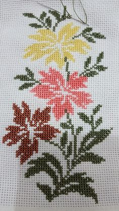 Monogram Cross Stitch, Cross Stitch Bookmarks, Cross Stitch Fabric, Cross Stitch Art, Cross Stitch Borders, Modern Cross Stitch Patterns, Cross Patterns, Cross Stitch Flowers, Cross Stitch Designs