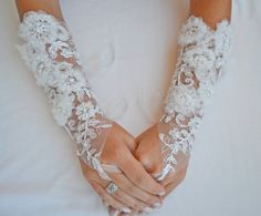3dimensional wedding gloves ivory gloves unique by newgloves, $35.00