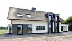Rietgedekt woonhuis Boxtel - Stukadoorsbedrijf de Groot B.V.