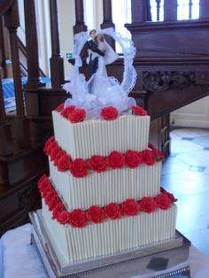 Gorgeous three tiered wedding cake