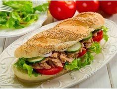 Ton Balıklı Sandviç, https://www.eniyitariflerim.com/ton-balikli-sandvic/, , https://www.eniyitariflerim.com, ,   Malzemeler         100 gram konserve ton balığı     1 adet sandviç ekmeği     Birkaç dilim domates     2 dal marul     Kornişon turşu     6 halka kuru soğan     3 dal maydanoz      Hazırlanışı    Sandviç ekmeğinin arasına ilk öncelikle marullarımızı yerleştiriyoruz.,  Malzemeler   100 gram konserve ton balığı   1 adet sandviç ekmeği   Birkaç dilim, admin