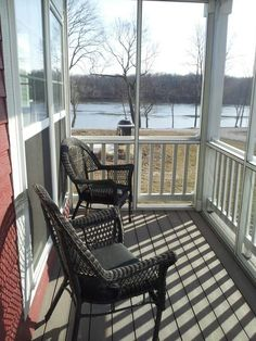 You can rent this cottage in Ottawa Illinois. It's the Stones throw cottage river view from front screened in porch. Heritage harbor Ottawa is the best place to be.