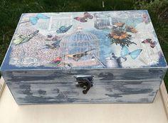 Handmade box,jewelry box,spring-themed box  #decoupage #wedding #etsy #etsyhome #etsylove #etsysale #etsysale #etsyshop #etsydecor #etsyfinds #etsygifts #etsystore #etsyforall #etsyhunter #etsyseller #etsywedding #etsyhandmade #etsyshopowner #etsyundiscovered #unique #handmadeisbetter #shopsmall #gifts #weddinggift #handmadegift