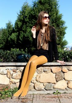 Black wool coat with yellow tights and leopard print scarf Davison McMullin mcmullin Nylons, Pantyhose Outfits, Colored Tights Outfit, Yellow Tights, Fashion Tights, Fashion Outfits, Thigh High Tights, Bas Sexy, Socks