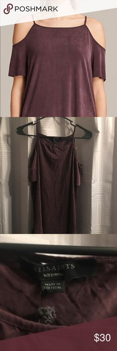 ALL SAINTS TYRA cold shoulder tee Never worn, perfect condition! Perfect with skinny jeans and boots! All Saints Tops Tees - Short Sleeve All Saints, Fashion Tips, Fashion Design, Fashion Trends, Jeans And Boots, Cold Shoulder, Skinny Jeans, Tees, Sleeve