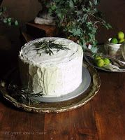 une gamine dans la cuisine: Rosemary Citrus Cake with Mascarpone-Honey Frosting  wowza - I'd love to try this :)