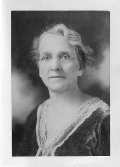 Plant physiologist Margaret Clay Ferguson (1863-1951) earned her Ph.D. at Cornell University (1901) and taught at Wellesley College from 1893 to 1932. In 1929, she was elected president of the Botanical Society of America, the first woman to hold that office.