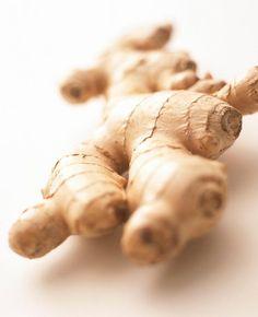 Gazınızı Zencefille Giderin Bazı rahatsızlıklar, soğuk hava ve özellikle de yediğimiz yiyeceklerin etkisiyle sindirim sistemimizde oluşan rahatsız edici bir durumdur. Mide bulantısı, hazımsızlık ve gaz şikayetlerini gidermek için gün içerisinde 2-4 gram kadar taze zencefil tüketilmesi bu sorunların giderilmesinde fayda sağlayacaktır.