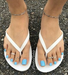 Long or short nails? I prefer mine at the tip of my toes with not too much nail over the toe. They're definitely getting too long 😫😂😂 Toe Nails White, Pretty Toe Nails, Cute Toe Nails, Pretty Toes, Sexy Zehen, Acrylic Toes, Blue Toes, Toe Nail Color, Feet Nails