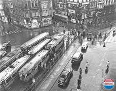 Muntplein in Amsterdam. I Amsterdam, Old Photography, Aerial View, Old Photos, Touring, Places To See, Netherlands, Holland, Cool Pictures