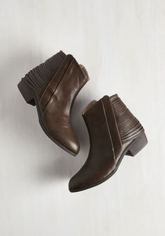 Arizona Oasis Bootie From the Plus Size Fashion Community at www.VintageandCurvy.com