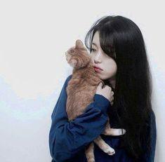 Garota com gato