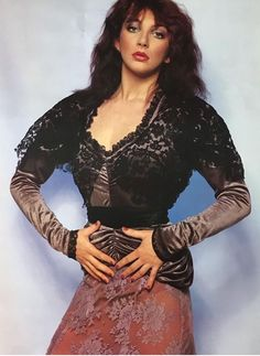 Kate Bush Beautiful Celebrities, Beautiful People, Beautiful Women, Beautiful Actresses, Kate Bush Babooshka, Marie Fredriksson, 20th Century Music, Hair Health And Beauty, Women Of Rock