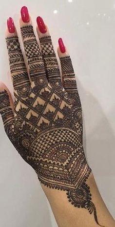 Latest Mehndi Designs For Engagement In 2020 Wedding Henna Designs, Engagement Mehndi Designs, Back Hand Mehndi Designs, Latest Bridal Mehndi Designs, Full Hand Mehndi Designs, Henna Art Designs, Mehndi Designs For Girls, Mehndi Designs For Beginners, Latest Mehndi
