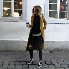Vans coat in black denim # denim # coat - Outfit ideen - Denim Fashion Mode Outfits, Fall Outfits, Casual Outfits, Fashion Outfits, Fashion Clothes, Winter Layering Outfits, Vans Fashion, Simple Winter Outfits, Denim Outfits
