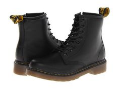 Dr. Martens: Kids Delaney Boot Little Kid/Big Kid/Youth (Black) The Delaney Kids by Dr. Martens is a junior size reproduction of the 1460 8-eye boot. The Delaney offers a sturdy, yet flexible sole combined with soft and durable leather in retro black. The boot has a side zip, as well as laces, to help get them on and off quickly and easily.