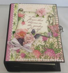Handgemachtes Fotoalbum Chrysanthemen, Scrapbook Album Chrysanthemen, Fotobuch von KartengalerieDoris auf Etsy Scrapbooking Album, Decorative Boxes, Bloom, Etsy, Forever Young, Flowers, Awards, Chrysanthemums, Pictures
