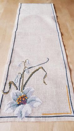 Beautiful x 10 / cross stitch / embroidered / tablerunner in beige/offwhite linen from Sweden - Kreuzstich Cross Stitch Borders, Cross Stitching, Cross Stitch Embroidery, Embroidery Patterns, Hand Embroidery, Cross Stitch Patterns, Broderie Bargello, Basic Shirts, Christmas Cross