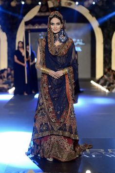 Sonia Azhar blue lengha at PFDC L'Oreal Paris Bridal Week 2013