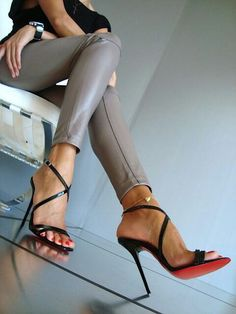 love these heels #christianlouboutinshoes