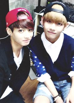 Bts | V & Kookie look so cute with those snapbacks on :) <3