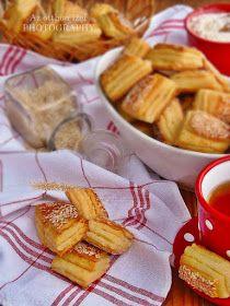 Mikor Alíz feltette a blogjára ezt a túrós pogácsa receptet, már akkor tudtam, hogy hamarosan el fogom készíteni, mert... Hungarian Recipes, Bread And Pastries, Scones, Camembert Cheese, Waffles, French Toast, Bakery, Muffin, Food And Drink