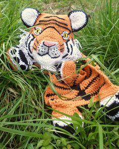 Maximus the Tiger Blankie Crochet Pattern by JennaWingateDesigns on Etsy https://www.etsy.com/listing/232705253/maximus-the-tiger-blankie-crochet