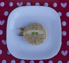 Little Nummies. Lots of artful food ideas for kiddos.