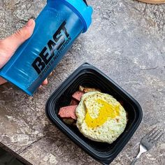 How do you fuel your mornings? 💪🏼☀ . 📸 @aaronmking . . . #beastsports #beastsportsnutrition #fridaymotivation💪 #fridaymornings #fuelyourmorning #fuelyourbodyright #beastmodeon #startyourdayright #startyourmorningright #breakfastinspiration #breakfastgoals #breakfastallday #breakfastidea #proteinbreakfast #wintheday #goaldiggers #goalgetters #mealplans #mealplanideas #fitfoodies #trainlikeabeast #fridayfuel #fitnessgoals2020 #2020goals #2020vision Healthy Cooking, Healthy Dinner Recipes, New Recipes, Train Like A Beast, Friday Motivation, Protein Breakfast, Sports Nutrition, Mornings, Meal Planning
