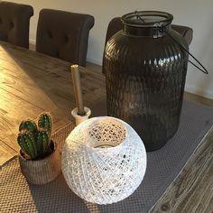 59 vind-ik-leuks, 3 reacties - ▫️M A A I K E ▫️ (@maaike_jans) op Instagram: 'Goedemorgen!🙋🏼 Het zonnetje schijnt al weer in huis.☀️ #sunshine #morning #cactus #candle…'