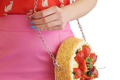 love this bag! #Rommydebommy strawberry Cake!