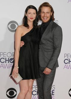 New pic of @SamHeughan and @caitrionambalfe from last nights #PCA via http://farfarawaysite.net #Outlander #OutlanderPCA