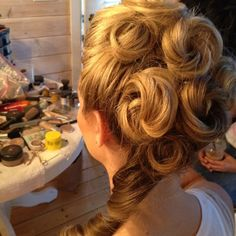 Victorian shoot updo